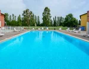 Le Domaine du Green in Albi - Swimming pool